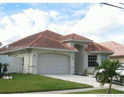 Dania Beach Single Family Home For Sale: 900 SE 2nd Ave