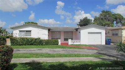 Miramar Single Family Home For Sale: 3308 Island Dr