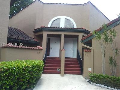 Plantation Condo/Townhouse For Sale: 9139 W Sunrise Blvd #9139