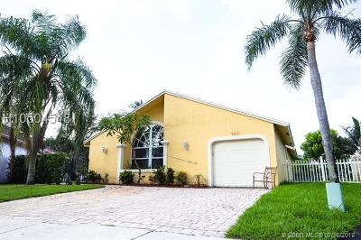 Cooper City Single Family Home For Sale: 9800 SW 58th Ct