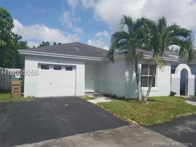 Davie Single Family Home For Sale: 4411 SW 72nd Ter