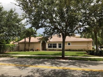 Weston Single Family Home For Sale: 4150 Sapphire Terr