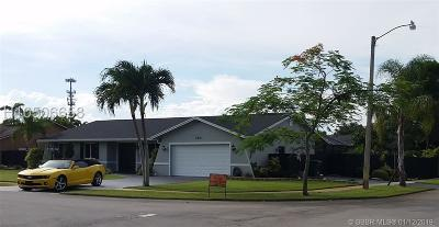 Davie Single Family Home For Sale: 6801 SW 43rd Ct