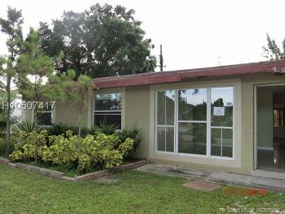 Fort Lauderdale FL Single Family Home For Sale: $199,900