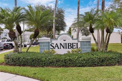 Condo/Townhouse For Sale: 7721 Sanibel Dr