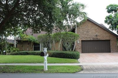 Plantation Single Family Home For Sale: 9550 NW 10th St
