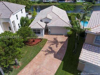 Pembroke Pines Single Family Home For Sale: 10545 SW 13th Ct