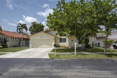 Single Family Home For Sale: 1601 SW 102nd Terrace