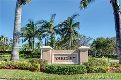 Tamarac Condo/Townhouse For Sale: 7735 Yardley Dr #309