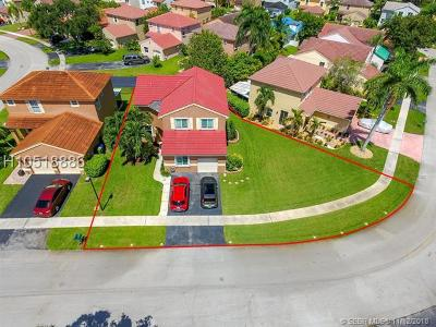 Pembroke Pines Single Family Home For Sale: 18451 NW 18th St