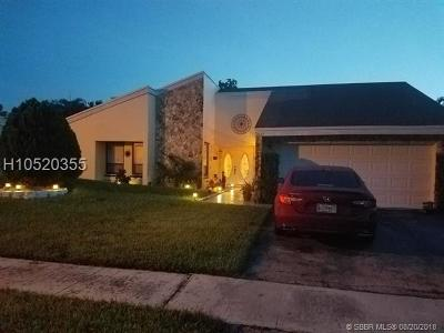 Lauderhill Single Family Home For Sale: 7441 NW 35th Ct