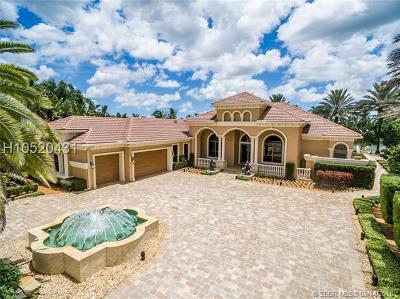 Davie Single Family Home For Sale: 2900 W Stonebrook Cir