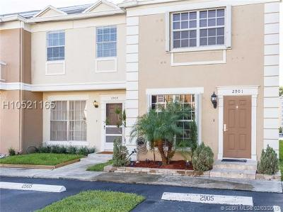 Cooper City Condo/Townhouse For Sale: 2905 Dorchester Ln