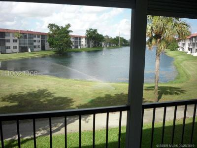 Pembroke Pines Condo/Townhouse For Sale: 411 S Hollybrook Dr #202