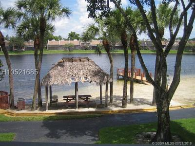 Pembroke Pines Condo/Townhouse For Sale: 1101 Colony Point Cir #202