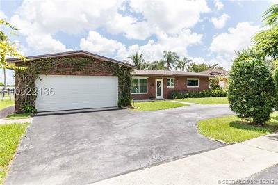 Pembroke Pines Single Family Home For Sale: 1721 NW 106 Ave