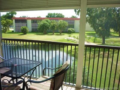 Pembroke Pines Condo/Townhouse For Sale: 250 S Hollybrook Ter #303