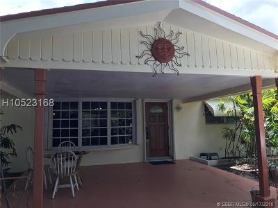 Hollywood Single Family Home For Sale: 1961 N 56th Way