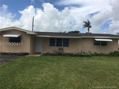 Pembroke Pines Single Family Home For Sale: 7821 NW 14th St