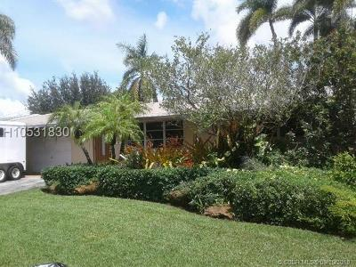 Pembroke Pines Single Family Home For Sale: 7711 NW 15th St