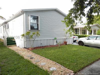 Dania Beach Single Family Home For Sale: 3007 SW 51st St