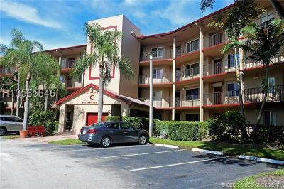 Pembroke Pines Condo/Townhouse For Sale: 901 SW 138th Ave #C109