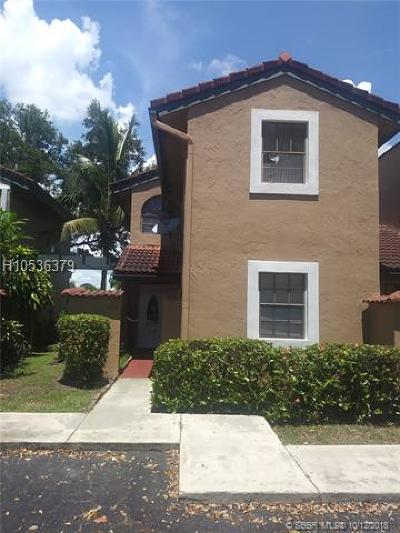 Plantation Condo/Townhouse For Sale: 9173 W Sunrise Blvd #9173