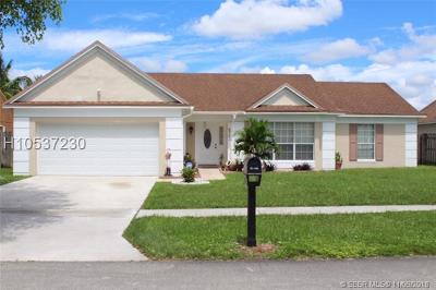 Miramar Single Family Home For Sale: 9301 Dunhill Dr