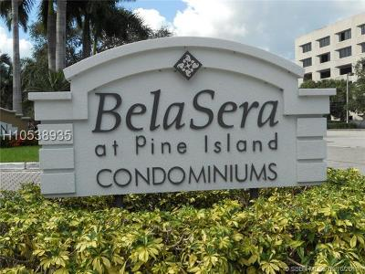 Plantation Condo/Townhouse For Sale: 701 N Pine Island Rd #106