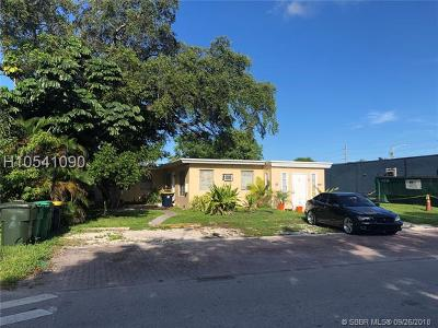 Fort Lauderdale Multi Family Home For Sale: 4847 SW 28th Ter