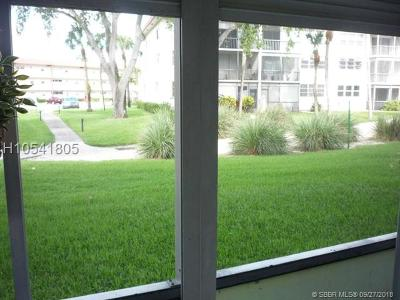 Pembroke Pines Condo/Townhouse For Sale: 8911 S Hollybrook Blvd #107