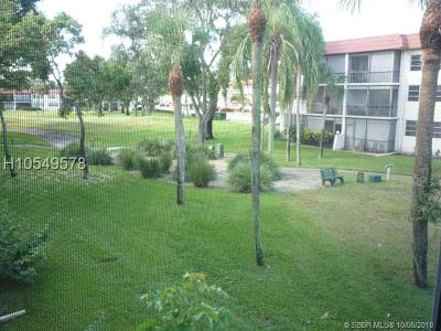 Pembroke Pines Condo/Townhouse For Sale: 8911 S Hollybrook Blvd #204