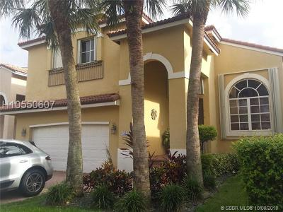 Pembroke Pines Single Family Home For Sale: 15622 SW 16th St