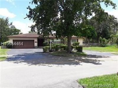 Plantation Single Family Home For Sale: 6980 SW 10th St