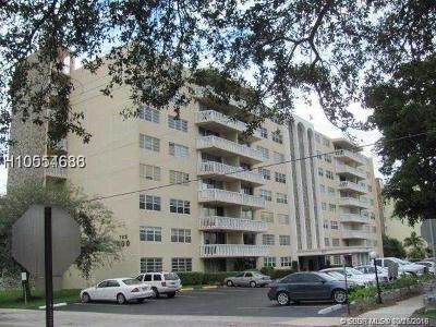 Hallandale Condo/Townhouse For Sale: 400 NE 12th Ave #607