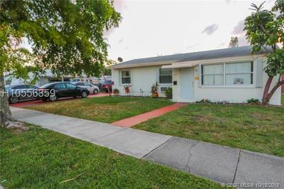 Hollywood Multi Family Home For Sale: 822 N 20th Ave