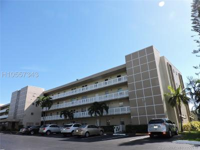 Dania Beach Condo/Townhouse For Sale: 414 SE 10th St #105