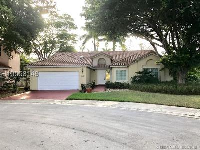Weston Single Family Home For Sale: 1025 E Spyglass