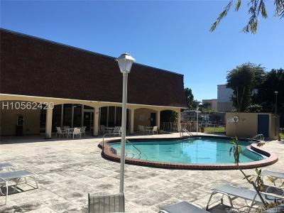 Dania Beach Condo/Townhouse For Sale: 500 NE 2nd St #206
