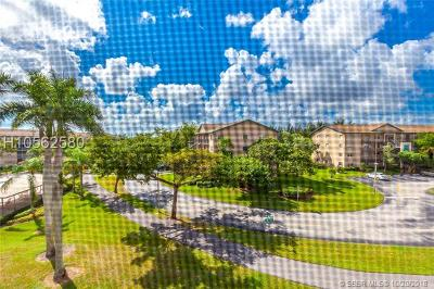 Pembroke Pines Condo/Townhouse For Sale: 12500 SW 5th Ct #M410