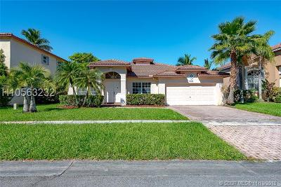 Pembroke Pines Single Family Home For Sale: 18421 NW 11th St