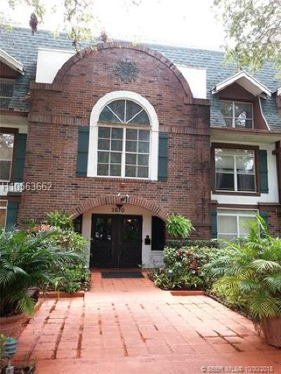 Lauderhill Condo/Townhouse For Sale: 3670 Inverrary Dr #1D