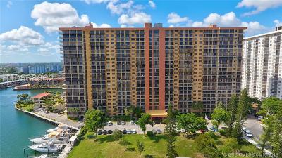 Sunny Isles Beach Condo/Townhouse For Sale: 290 174th St #2309