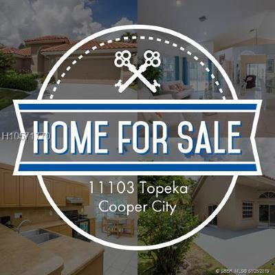 Cooper City Single Family Home For Sale: 11103 Topeka Pl