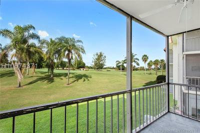 Pembroke Pines Condo/Townhouse For Sale: 9823 S Hollybrook Lake Dr #206