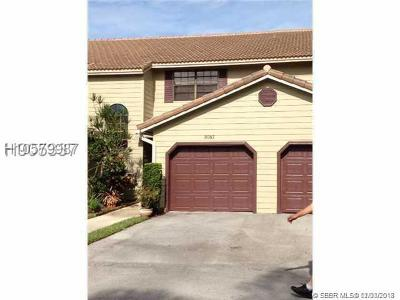 Plantation Condo/Townhouse For Sale: 9087 Vineyard Lake Dr #9087
