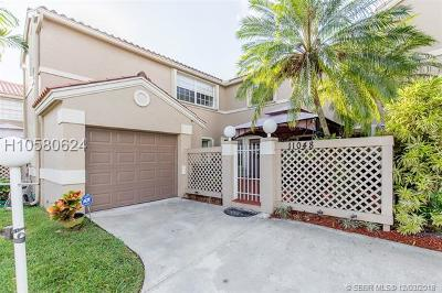 Cooper City Condo/Townhouse For Sale: 11048 Mainsail Dr