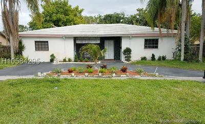 Lauderhill Single Family Home For Sale: 2070 NW 47th Ave