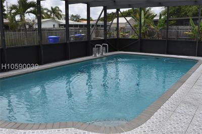 Hollywood FL Single Family Home For Sale: $375,000