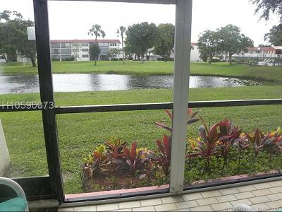 Pembroke Pines Condo/Townhouse For Sale: 8930 S Hollybrook Blvd #103